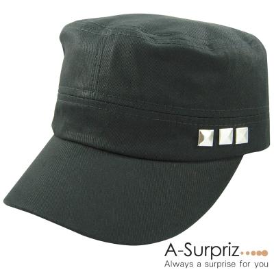 A-Surpriz-時髦帥氣方型-釘軍帽-率性黑