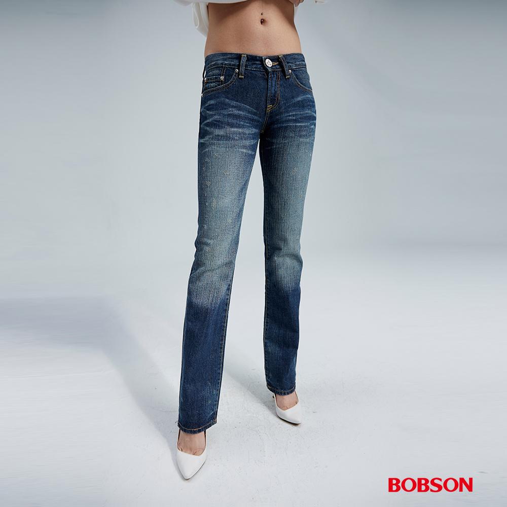 BOBSON 女款貓鬚刷白中藍色中直筒褲