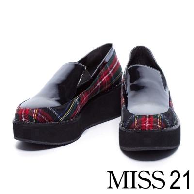 休閒鞋 MISS 21 亮澤皮革拼接格子布厚底休閒鞋-格紋