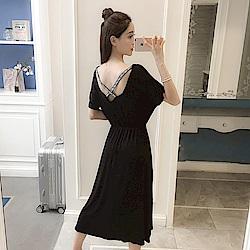 La Belleza露背LOVE英文字交叉肩帶縮腰棉質洋裝