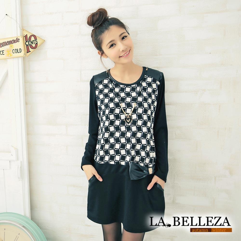 【La Belleza 中大尺碼】 黑白方形格紋側蝴蝶結拼接連身洋裝+項鍊