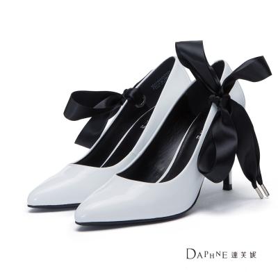 達芙妮DAPHNE 高跟鞋-綁腿緞帶漆皮素面尖頭鞋-白