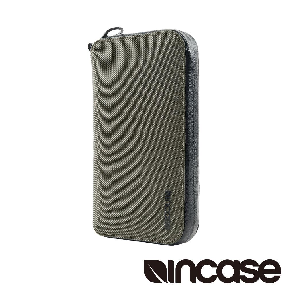 INCASE EO Passport Wallet 防盜科技旅行拉鍊護照夾 (碳灰)