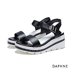 達芙妮DAPHNE 涼鞋-立體鋸齒刻紋一字楔型涼鞋-黑