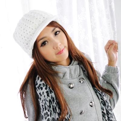 Aimee Toff 單色粗針暖冬心情造型針織帽(白)