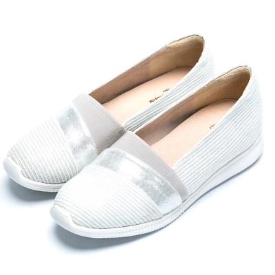 CUMAR經典品味 異材質拼接平底包鞋-銀