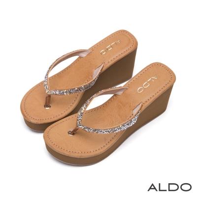 ALDO-奢華寶貝V字彩鑽夾腳船型厚底涼鞋-焦糖