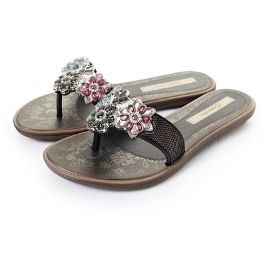 GRENDHA 粉彩晶鑽花朵時尚托鞋-黑色