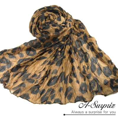 A-Surpriz 浪漫風情皺摺豹紋寬版圍巾(經典咖)