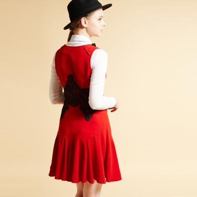 ICHE 衣哲 立體拼接雕花打摺造型洋裝