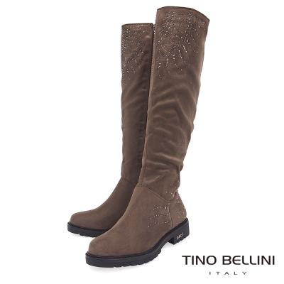 Tino Bellini 柔調鑽飾圖騰個性大底長靴_ 駝