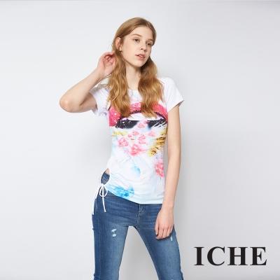 ICHE 衣哲 數位抽象印花釘珠造型白T恤上衣