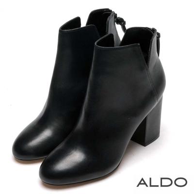 ALDO 原色真皮V字切口拉鏈粗跟短靴~尊爵黑色