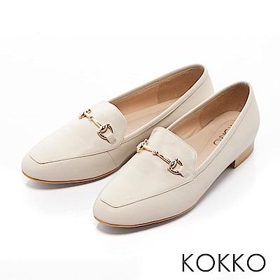 KOKKO -雅緻金屬扣環方頭休閒平底鞋-簡約米