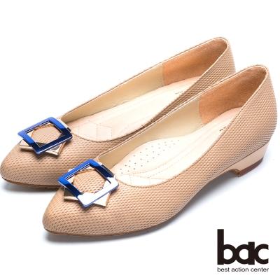 bac粉領時尚 星型金屬裝飾尖頭低跟鞋-卡其