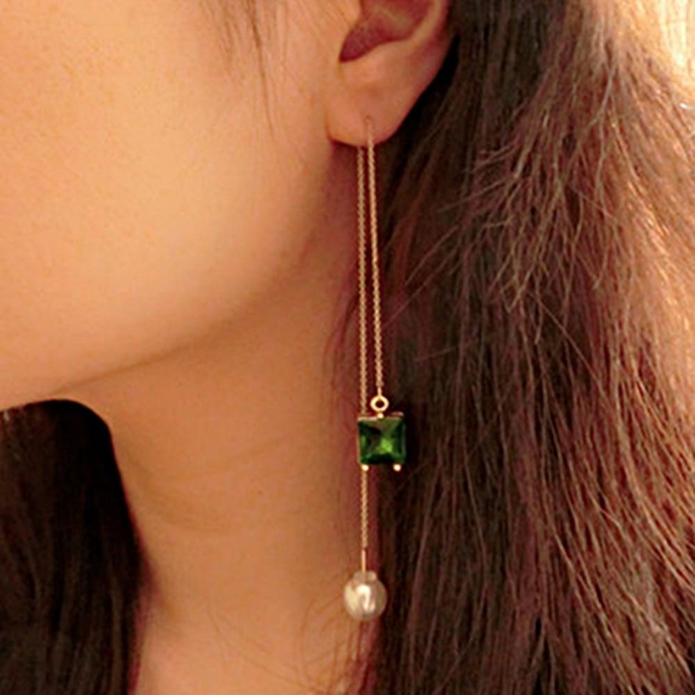 梨花HaNA 小時代楊慕垂綴流線珍珠綠寶石耳環