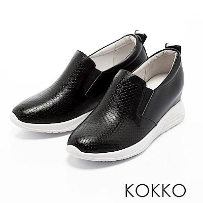 KOKKO - 運動風潮內增高真皮休閒鞋-經典黑