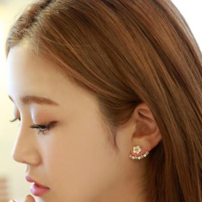 梨花HaNA 無耳洞韓國細緻貝殼花朵夢幻上下耳環夾式