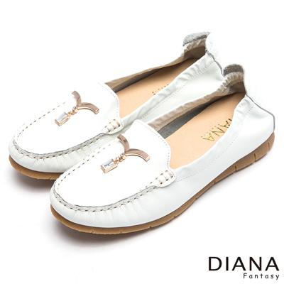DIANA 舒適百搭--純淨海鷗鑽飾真皮平底鞋-白