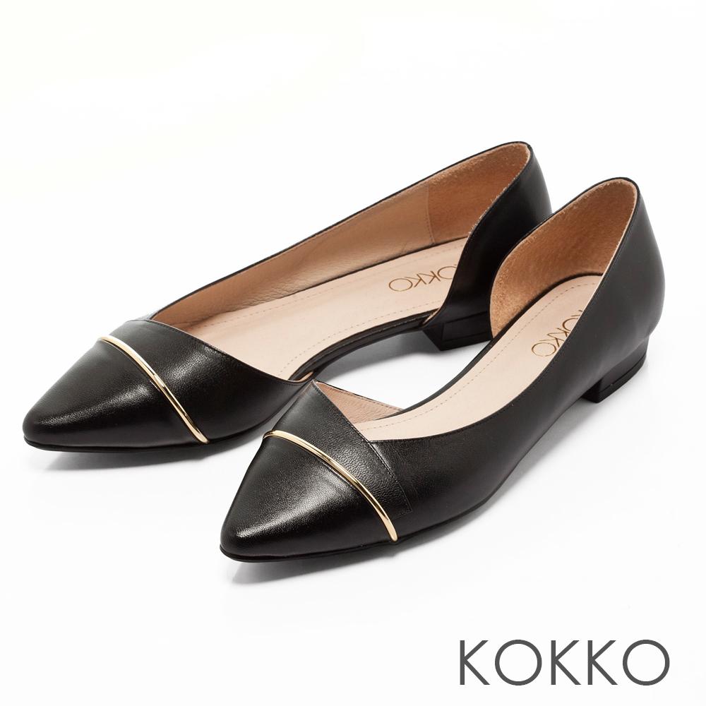 KOKKO -都會時尚尖頭金屬環側挖空平底鞋-黑