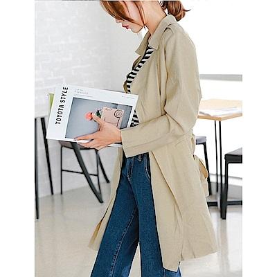 素色翻領開襟綁帶長版風衣外套.3色-OB嚴選