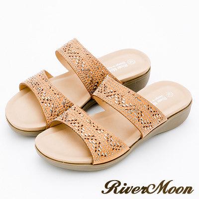 River&Moon大尺碼-超Q軟亮鑽二字帶厚底涼拖鞋-黃棕