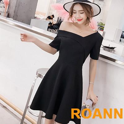 素面一字領露肩短袖洋裝 (黑色)-ROANN