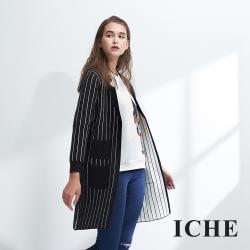 ICHE衣哲 簡約條紋撞色羊毛針織長版造型外套-黑