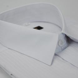 金‧安德森 白色寬直條紋類絲質窄版短袖襯衫