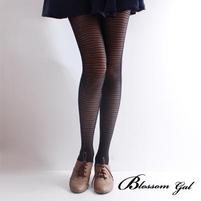 Blossom Gal優雅細橫紋雙色柔軟兩穿褲襪(深黑)