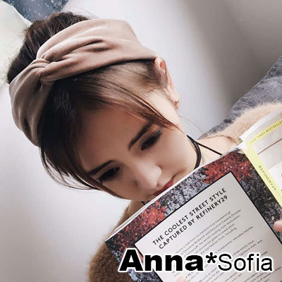 AnnaSofia-典雅亮絲絨交叉結-超寬彈性髮帶-淺咖系