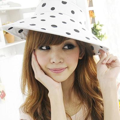 Aimee-Toff-清甜春意清新空頂遮陽帽-黑