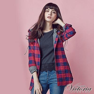 Victoria 格紋長版連帽長袖襯衫-女-紅藍格