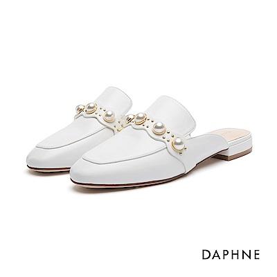 達芙妮DAPHNE 休閒鞋-珠飾鉚釘平底穆勒休閒鞋-白