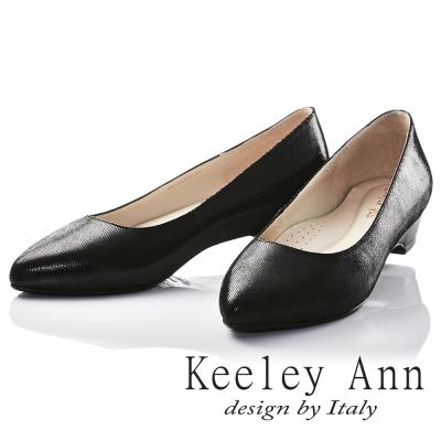 Keeley Ann 極簡步調~素面光澤感OL全真皮低跟鞋(黑色)