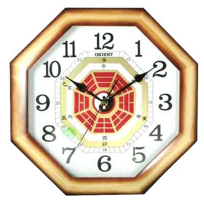 ORIENT 東方 八卦造型木質外框時鐘 掛鐘-35cm
