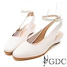 GDC-真皮透氣後空圓頭包鞋-米色