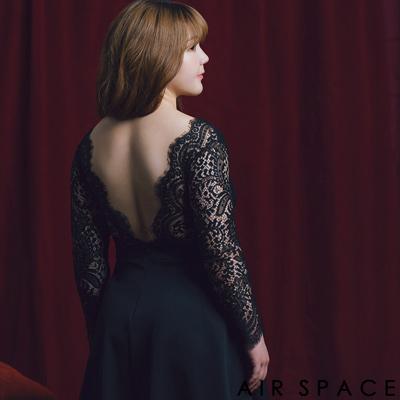 AIR SPACE PLUS 中大尺碼 睫毛蕾絲V領露背傘襬洋裝(黑)