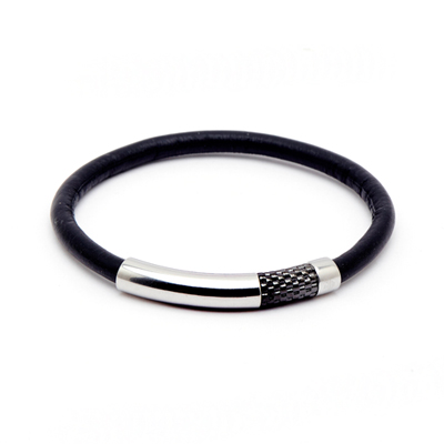 EMPORIO ARMANI 黑色街頭風格的皮革手環