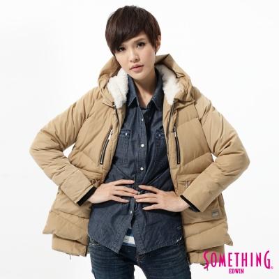 SOMETHING 外套 休閒多袋長版羽絨外套-女-淺卡其