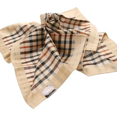 DAKS 經典格紋logo刺繡帕領巾(金邊)