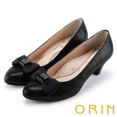 ORIN 魅力輕時尚 戒指釦環壓紋中跟鞋-黑色