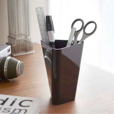 【YAMAZAKI】扭轉時尚收納筒-棕★筆筒/筆桶/刷具桶/刷具筒/文具收納