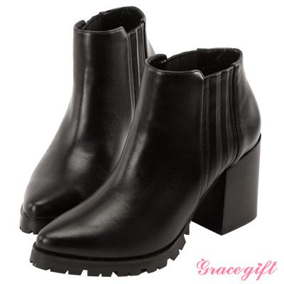 Grace gift X Kerina妞妞-復古鬆緊帶粗跟短靴 黑