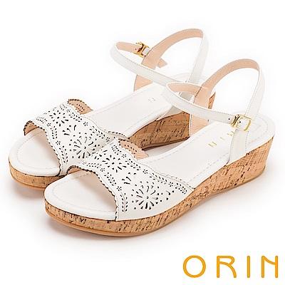ORIN 夏日渡假 寬版造型簍空皮革軟木塞楔型涼鞋-白色