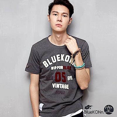 空 BLUE WAY 美式風格貼布繡短袖T恤(麻灰)