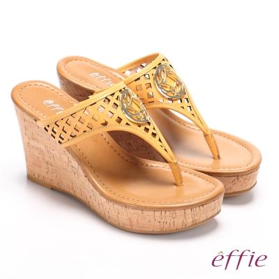effie 摩登美型 真皮鏤空大釦飾Y字楔型拖鞋 黃色