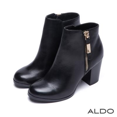 ALDO-柔軟真皮質感金屬拉鍊木紋粗高跟踝靴-黑色