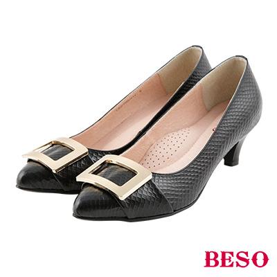 BESO 簡約知性 全真皮金屬方型飾釦跟鞋~黑