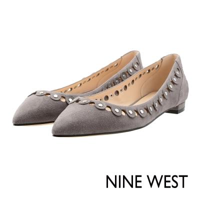 NINE-WEST-都會時尚鏤空尖頭低跟鞋-雅緻灰